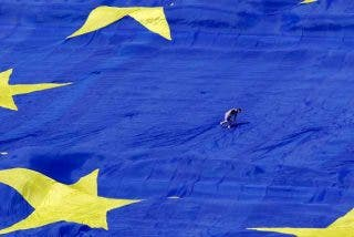 """La Iglesia católica europea pide a la UE que """"no dé la espalda"""" a inmigrantes y refugiados"""