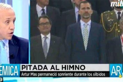 """El gesto de Artur Mas en la pitada al himno irrita a Eduardo Inda: """"¡Que se ría de su madre!"""""""