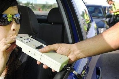 Un sistema detecta conductores que han bebido alcohol y bloquea el vehículo