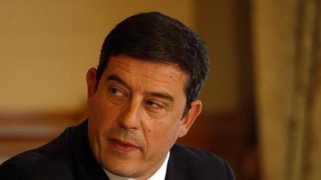 El PP consuma el bloqueo al nombramiento de Besteiro como senador