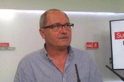 """Cornejo (PSOE): """"Moreno ha demostrado que solo le interesan los sillones"""""""