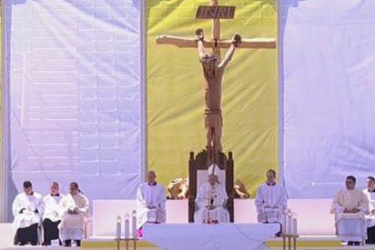 """El Papa en Sarajevo: """"Se eleva desde esta ciudad el grito del pueblo de Dios de '¡nunca más la guerra¡'"""""""
