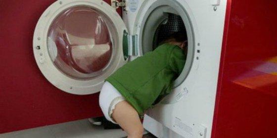 Muere un niño de 2 años dentro de una lavadora que puso en marcha su despistada madre