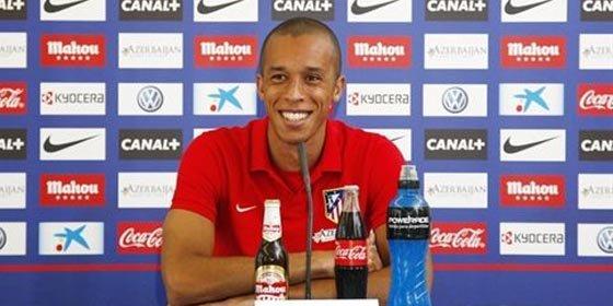 El Atlético espera que uno de estos dos equipos compre a Miranda