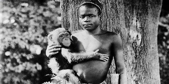 El pigmeo al que exhibieron en una jaula del zoo junto a un orangután