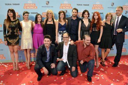 Numerosos rostros conocidos se dan cita junto a Dani Rovira, Clara Lago y María Valverde en el estreno de Ahora o Nunca