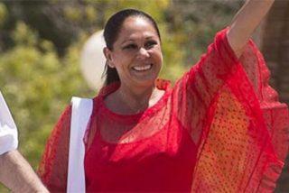 Isabel Pantoja repite el 'dientes, dientes' a su salida de prisión