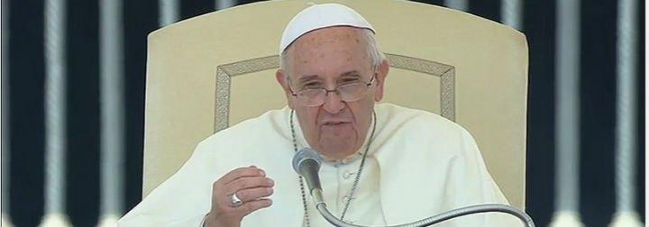 """El Papa asegura que """"los recortes de los servicios sociales, habitacionales y educativos hacen sufrir a las familias"""""""