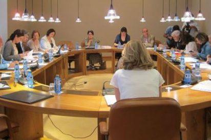 La oposición cuestiona que Rodríguez siga en Contas tras ser imputado