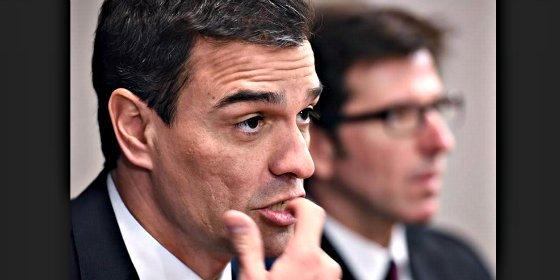 Pablo Iglesias se frota las manos con el error de principiante de Pedro Sánchez