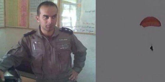 El piloto sirio que se suicida en el aire para no acabar quemado vivo en una jaula de los asesinos islamistas