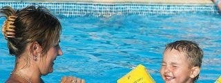 Lo que los padres deberían saber sobre el ahogamiento secundario antes de salir de vacaciones