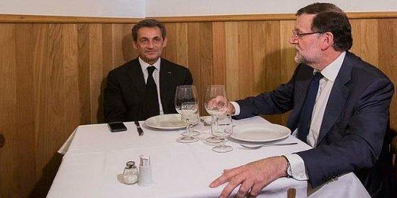 Rajoy se lleva a Sarkozy a una tasca y le hincha a gazpacho y chipirones