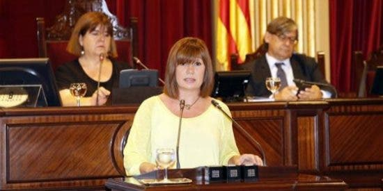 "Francina Armengol: ""Me siento muy orgullosa de ser la primera mujer presidenta"""