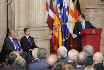 """El Rey Felipe destaca """"profundas convicciones europeas"""" heredadas de Juan Carlos I"""