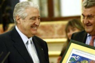 """Cáritas Española recibe el I premio """"Institución del Defensor del Pueblo"""""""