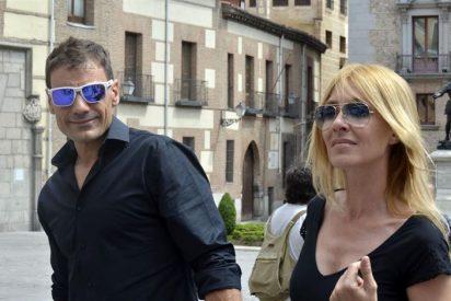 Pedro Zerolo recibe el último adiós rodeado de compañeros y amigos