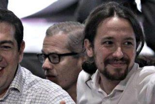 Grecia se precipita hacia el abismo empujada 'alegremente' por los hermanos gemelos de Podemos