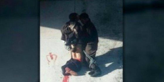 Torturados y colgados de un puente por los narcotraficantes en Michoacán
