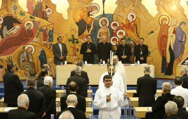 """Los obispos piden una """"salida negociada del conflicto armado"""""""