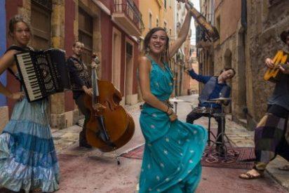 """Los ritmos balcánicos de Balcony Players abren """"Estivalia"""" en Montánchez"""