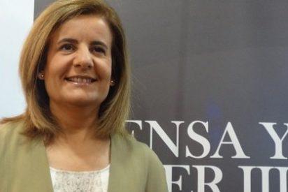 """Fátima Báñez: """"En el logo del PP no cambian las siglas, que son la pe de 'personas' y la pe de 'país'"""""""