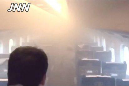 [Vídeo] Se quema a lo bonzo en un tren bala nipón y se lleva por delante a otro pasajero