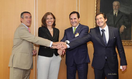 Las Sociedades de Garantía, CaixaBank y el Ministerio de Industria unen fuerzas para inyectar 662 millones de euros a pymes, autónomos y emprendedores españoles