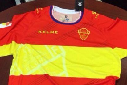 El Elche sorprende con su camiseta homenaje a la bandera española