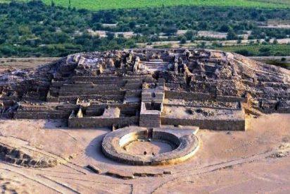 Postcards/ CARAL, las pirámides más antiguas del mundo, están en Lima