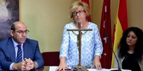 La alcaldesa de Guadarrama deja a todos sin sueldo por querer ser como Carmena