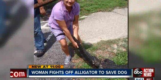 La feroz lucha de una mujer contra un cocodrilo para salvar a su perro