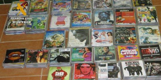 Itervenidas copias ilegales de unos 600 DVDs y CDs en Puebla de Sancho Pérez (Badajoz)