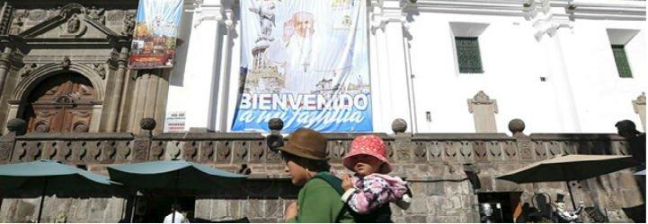 """Rafael Correa: """"El Papa está demostrando que siempre va a estar con los mas pobres"""""""