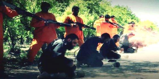 La atroz venganza de Al Qaeda contra 18 'perros del infierno' fieles al Estado Islámico