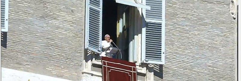 """Papa: """"Gracias a los pueblos de los tres países por su entusiasta acogida"""""""