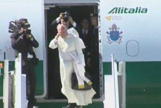 El Papa dice adiós a Bolivia y parte rumbo a Paraguay