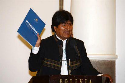 """Evo Morales propone al Papa como """"garante"""" del diálogo con Chile"""