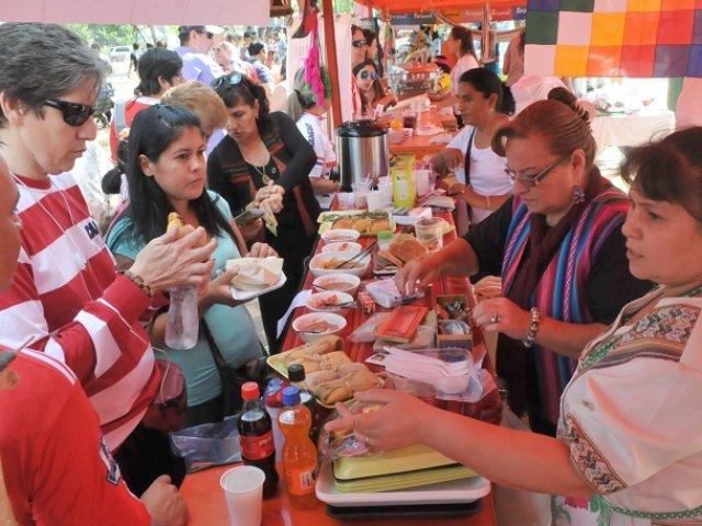 Emoción y cariño para un Papa que ha elogiado a la mujer paraguaya