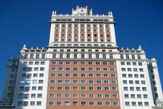 ¿De quita y pon? Wanda ve inviable salvar la fachada del Edificio España: propone demolerla y reconstruirla