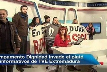 """Un diputado de Podemos, """"muy orgulloso"""" de asaltar televisiones"""