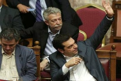 El Parlamento griego 'rescata' a Tsipras: aprueba el tercer paquete de los acreedores