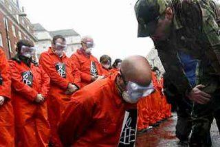 EEUU ultima un plan para cerrar la 'espinosa' prisión de Guantánamo