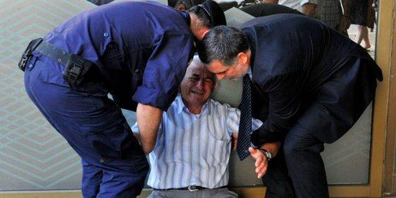 El llanto de un jubilado que ilustra lo que está pasando en Grecia