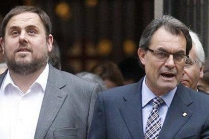 La 'lista unitaria' de Artur Mas (CDC) y Oriol Junqueras (ERC) queda a 10 escaños de la mayoría absoluta
