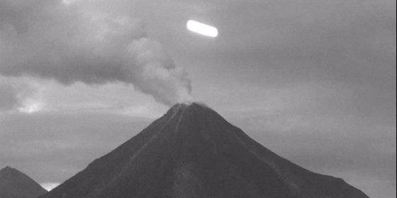 El OVNI captado por 'Webcams México' sobre el Volcán de Colima