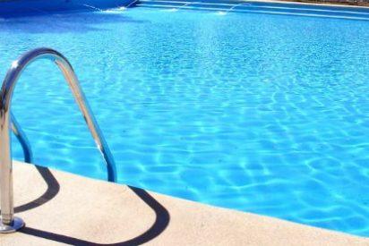 Frenesí sexual en la follonera piscina de la Casa de Campo