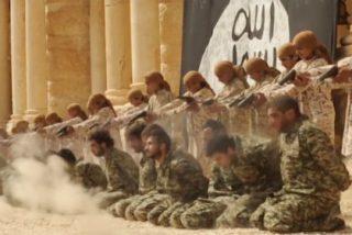 Los niños verdugos del EI ejecutando a 25 aterrados soldados sirios