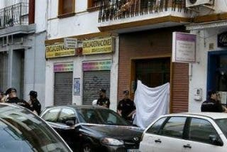 La Policía evitó que el asesino del cura de Sevilla matase también a su mujer
