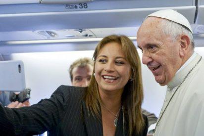 A bordo del avión papal